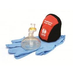 Laerdal pediatrisch Pocket Mask in blauw-geel tasje met desinfectiedoekje